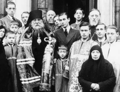в 1935 году общину посетил викарный епископ митрополита Евлогия Сергий (Королёв) Пражский